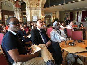 Luc Gnacadja (former Executive Secretary, UNCCD), Pradeep Monga (Deputy Executive Secretary, UNCCD)  and other delegates (Source: Noel Oettlé)
